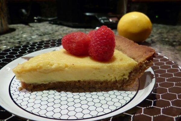 lemon tart piece